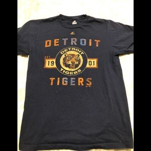 Detroit Tigers tee, Size medium.